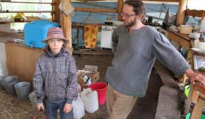Томская семья пятый год строит на Алтае экопоселение.