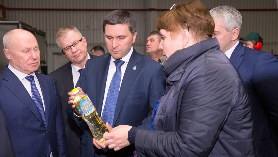 Делегация Ямало-Ненецкого АО посетила Барнаульский маслоэкстракционный завод.