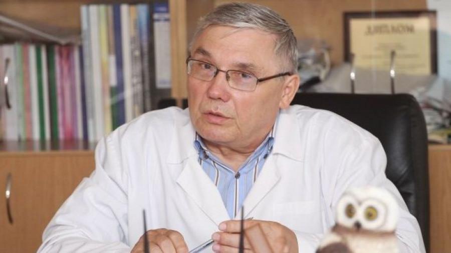 Александр Лазарев,  доктор медицинских наук, профессор, главный врач Алтайского краевого онкологического диспансера.