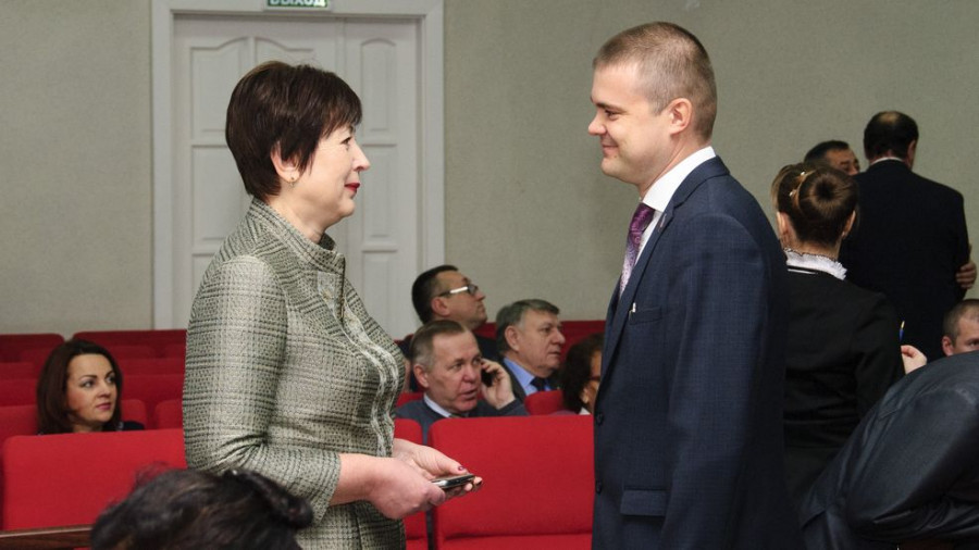 Председатель Барнаульской городской Думы Галина Буевич и депутат Иван Огнев.