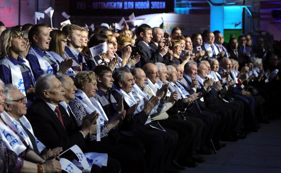 Владимир Путин встретился с работниками ГАЗа.