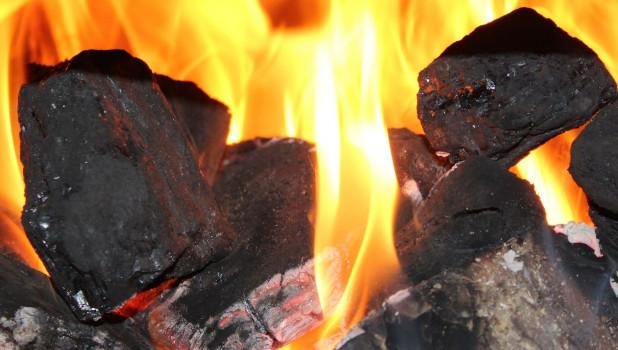 Уголь, огонь.