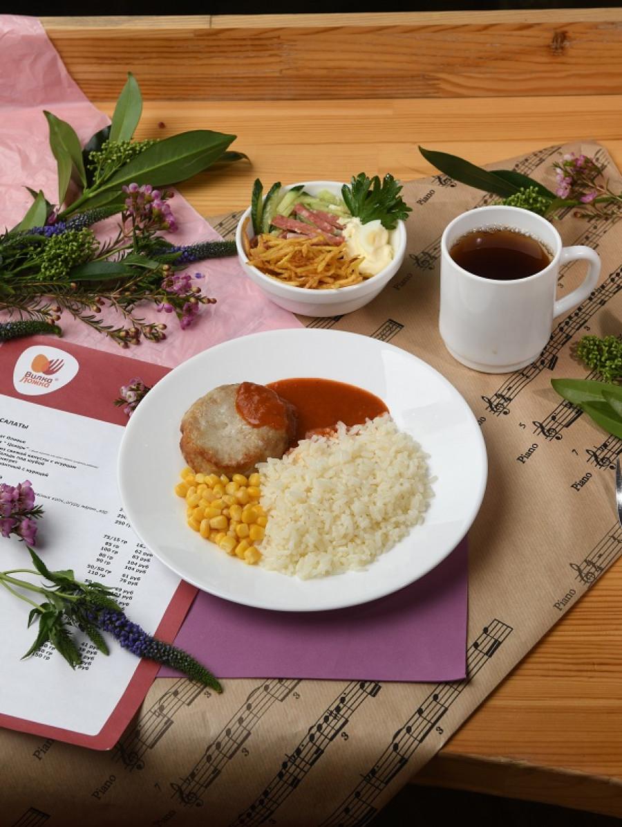 Все блюда в ресторане «Вилка-Ложка» – только ресторанного качества, они большие и вкусные.