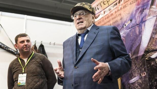 Лидер ЛДПР Владимир Жириновский (справа).