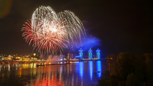 Шоу фейерверков в Барнауле на День города-2015.
